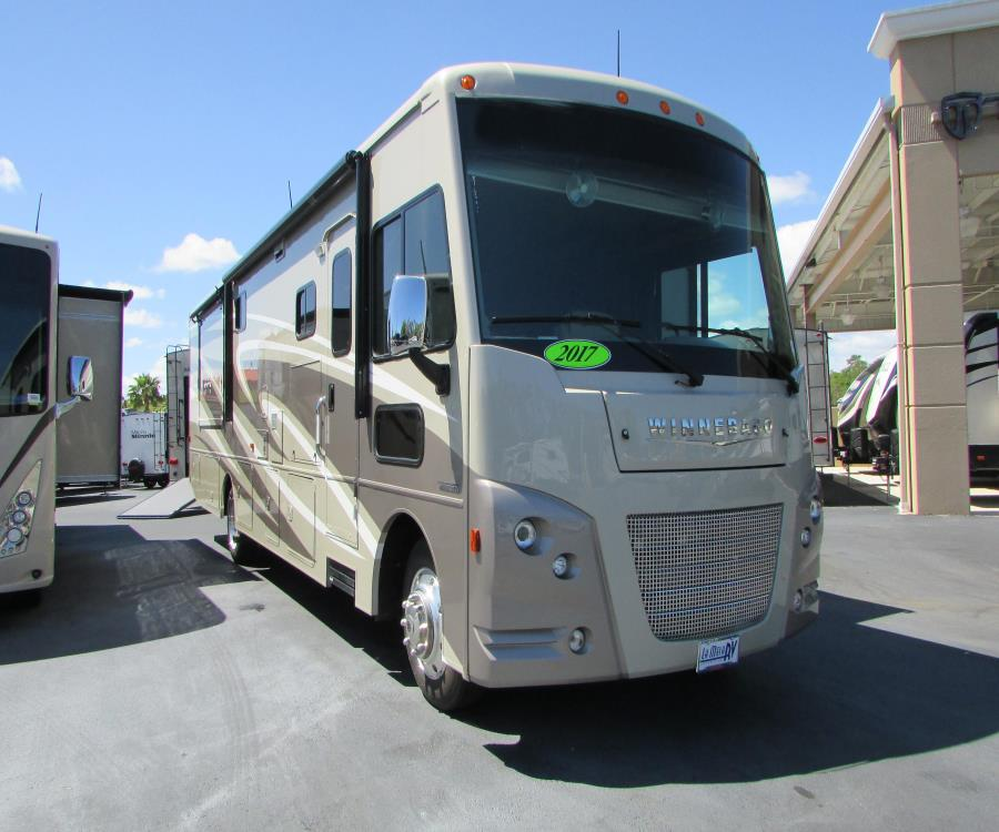 2017 Winnebago VISTA LX