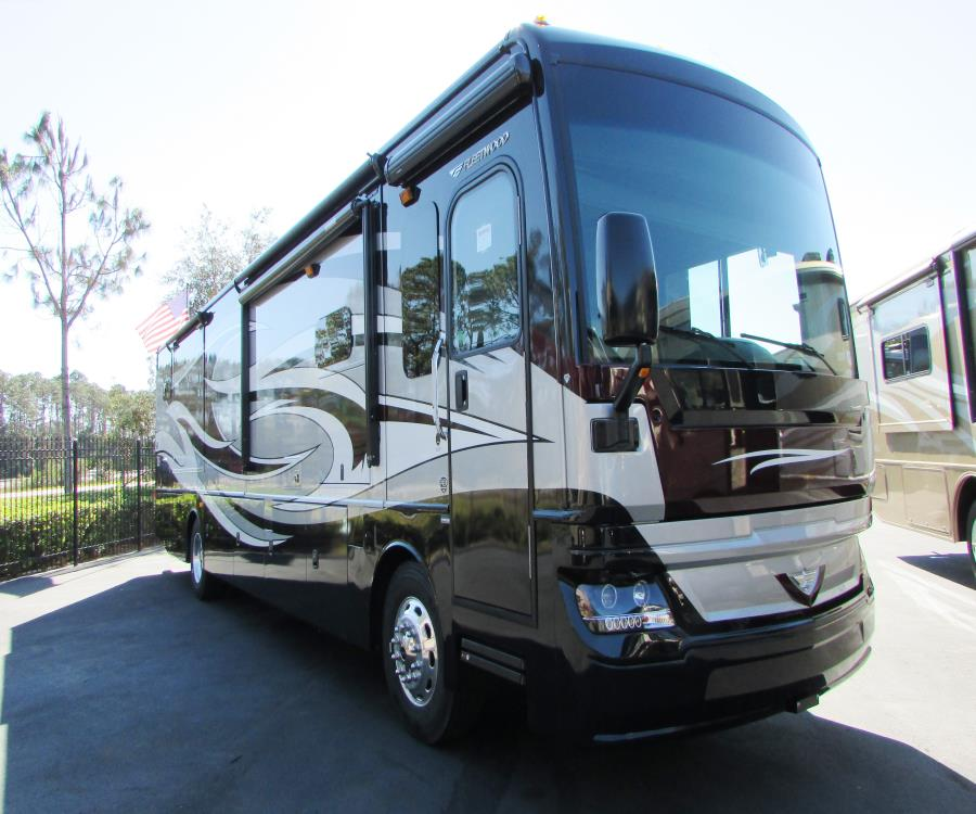 2017 Fleetwood PACE ARROW LXE